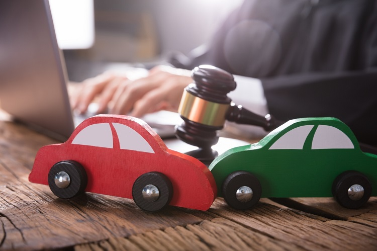 Alert: Car Accident Lawyers Only Charge a Contingency Fee!