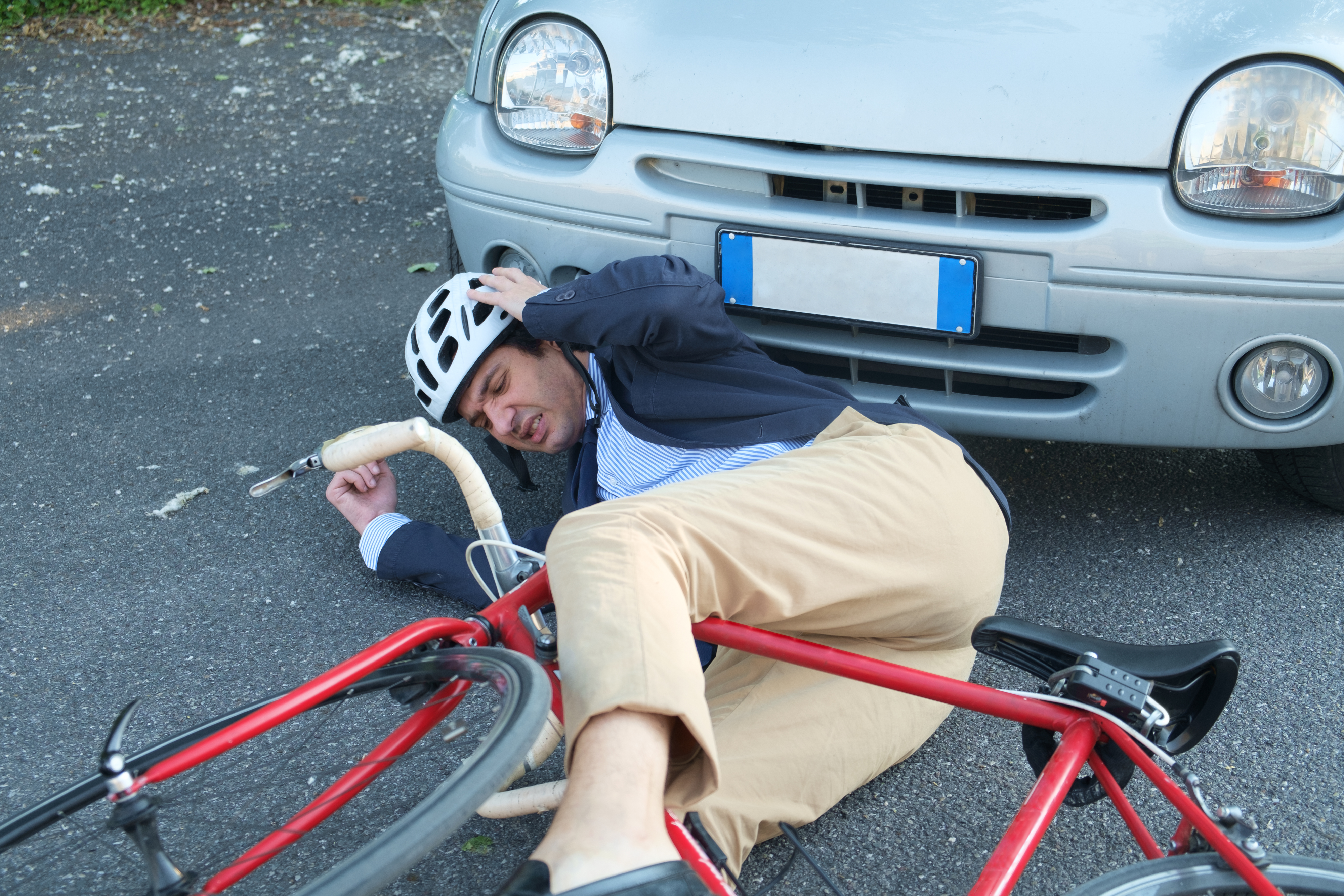 How to Reduce the Risk of Head Injuries by using Helmet during Bicycle Accident?