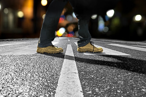 9 Walking Safety Rules of the Road to Avoid Pedestrians Accident
